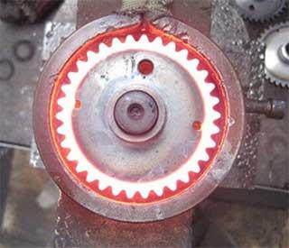 适用于各种工件淬火和回火,如轴类、齿轮类、盘类状等零件的感应淬火