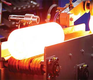 是采用加热的方式利于工件的配合!
