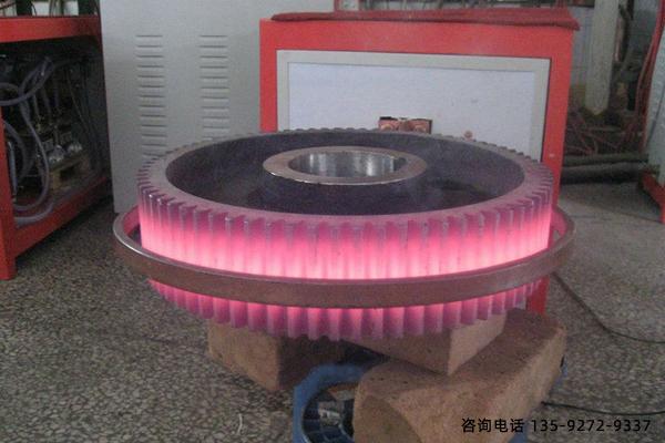 喷水冷却的齿轮