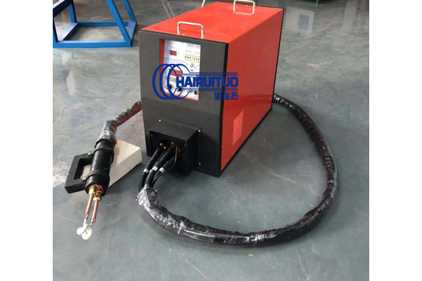 手提高频焊接机工作