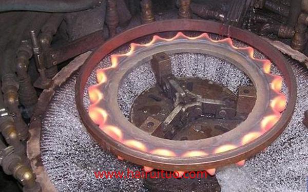 双频齿轮淬火设备